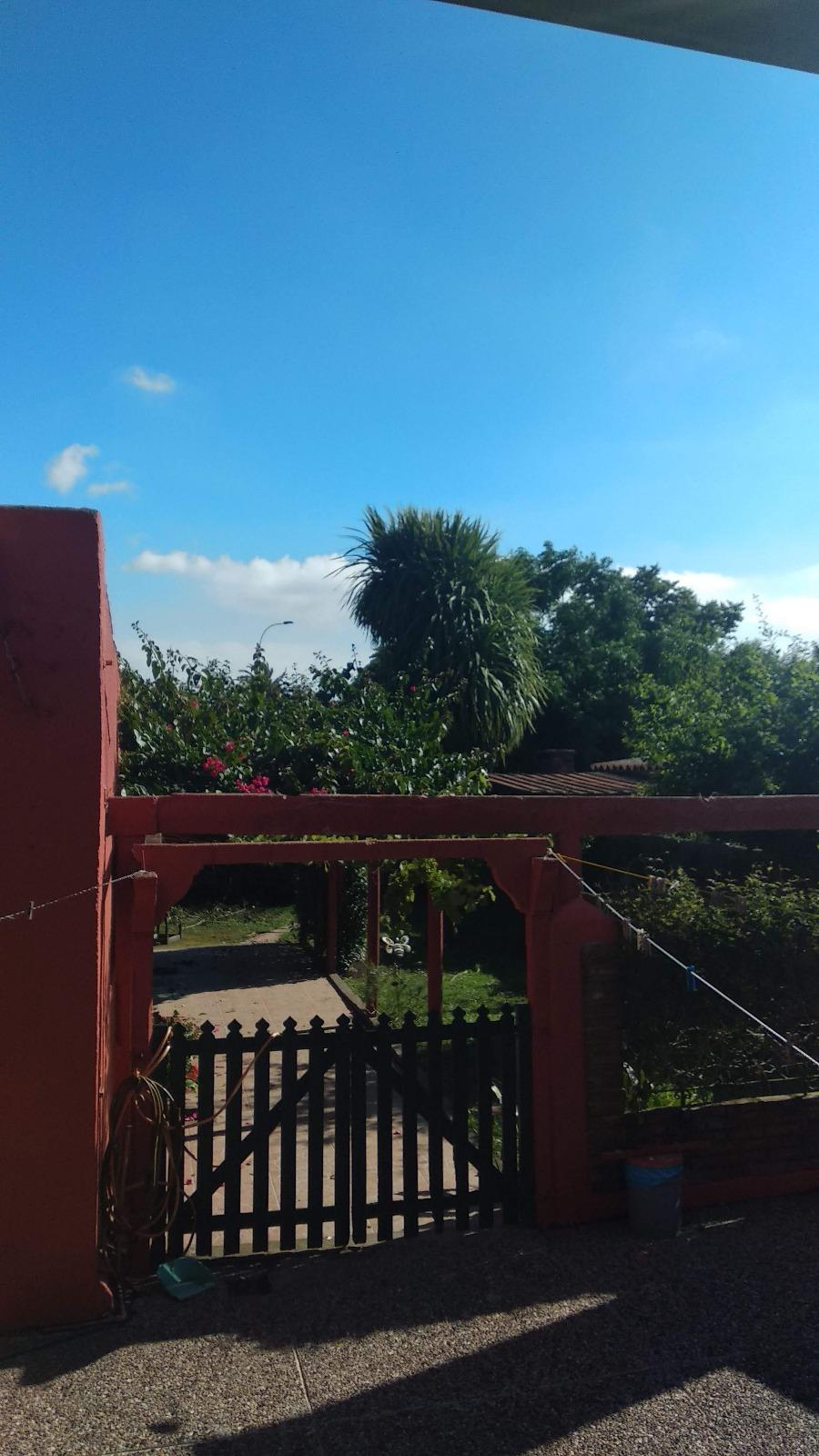 PROPIEDAD CON GRAN FONDO, A UNA CUADRA DE GARZÓN. 399 METROS TOTALES